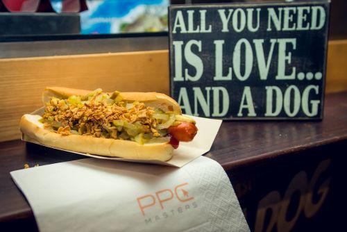 Und zwischendurch den PPC-Master-Super-Hotdog! Quelle: @ppcmasters.de
